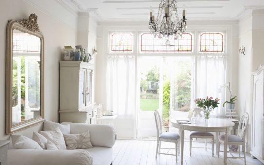 白を基調としたインテリア イギリスの家